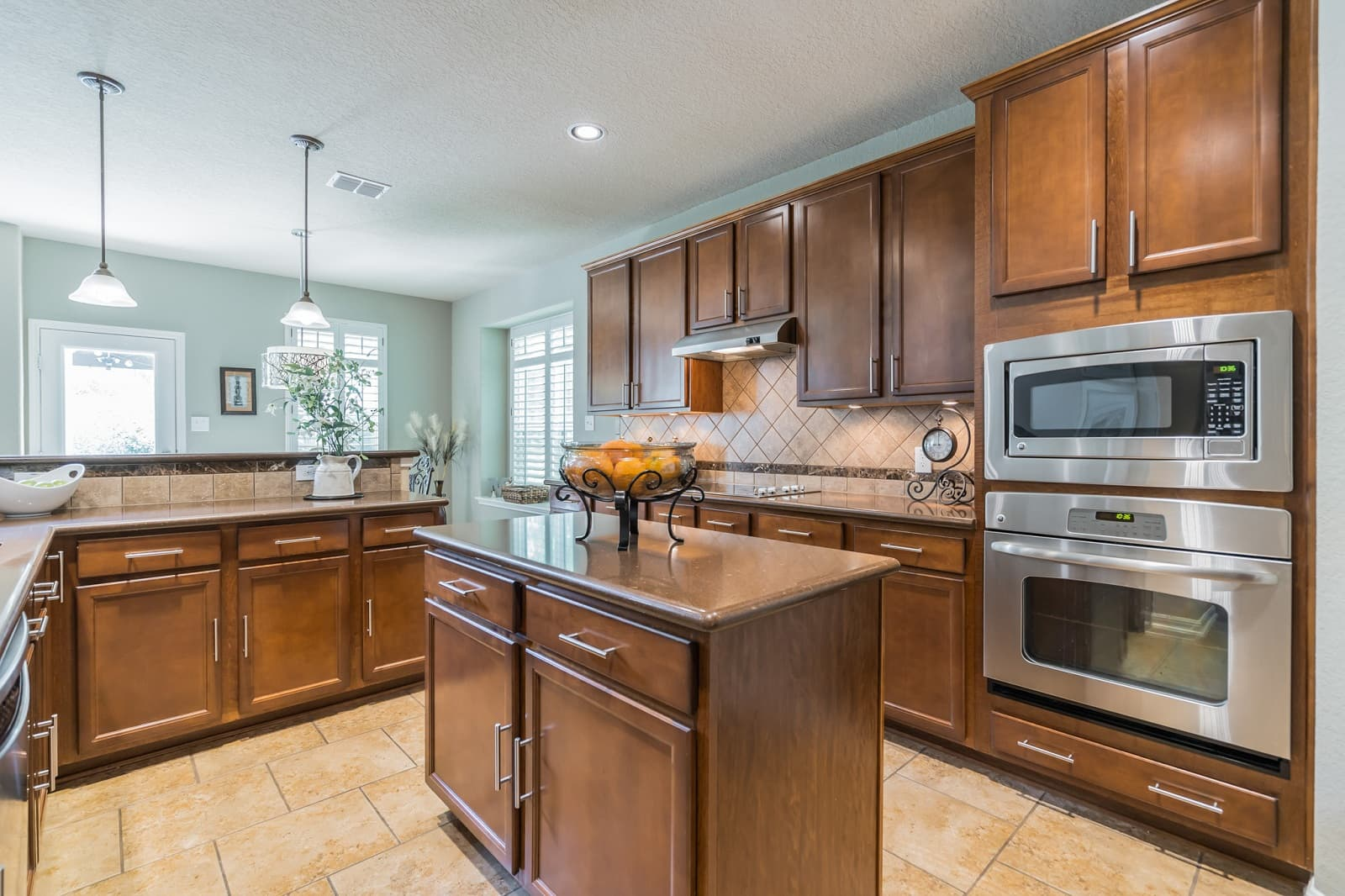 Real Estate Photography in Cibolo - TX - Kitchen View