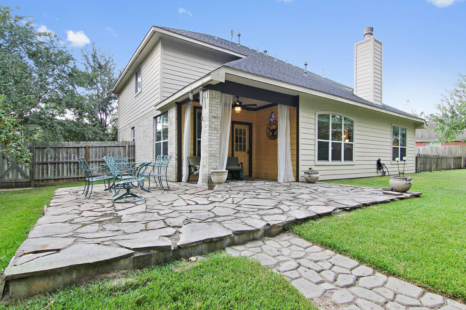Real Estate Photographers in Conroe - TX - Front View