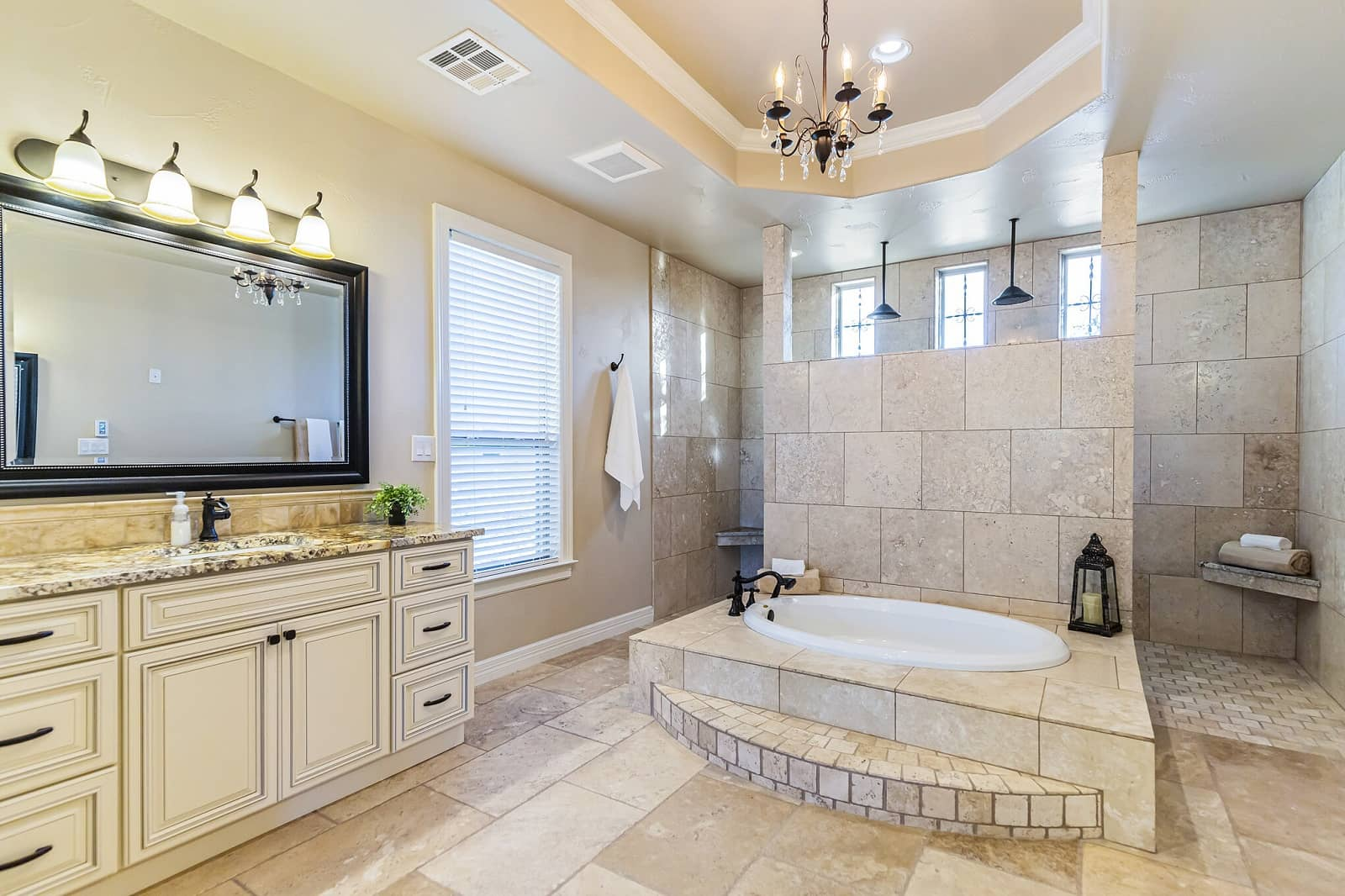 Real Estate Photography in New Braunfels - TX - Bath View