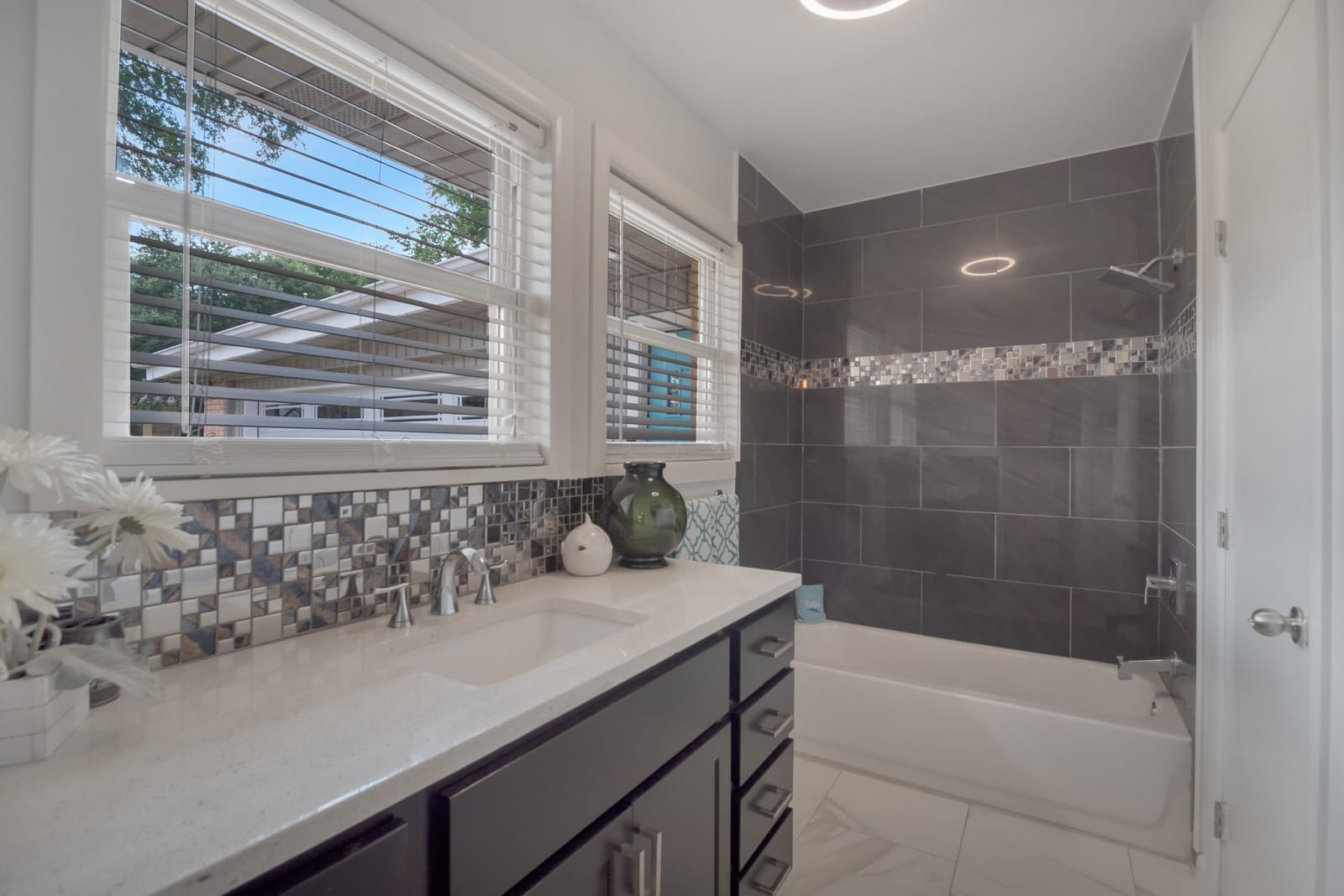 Real Estate Photography in Garland - TX - Bath View