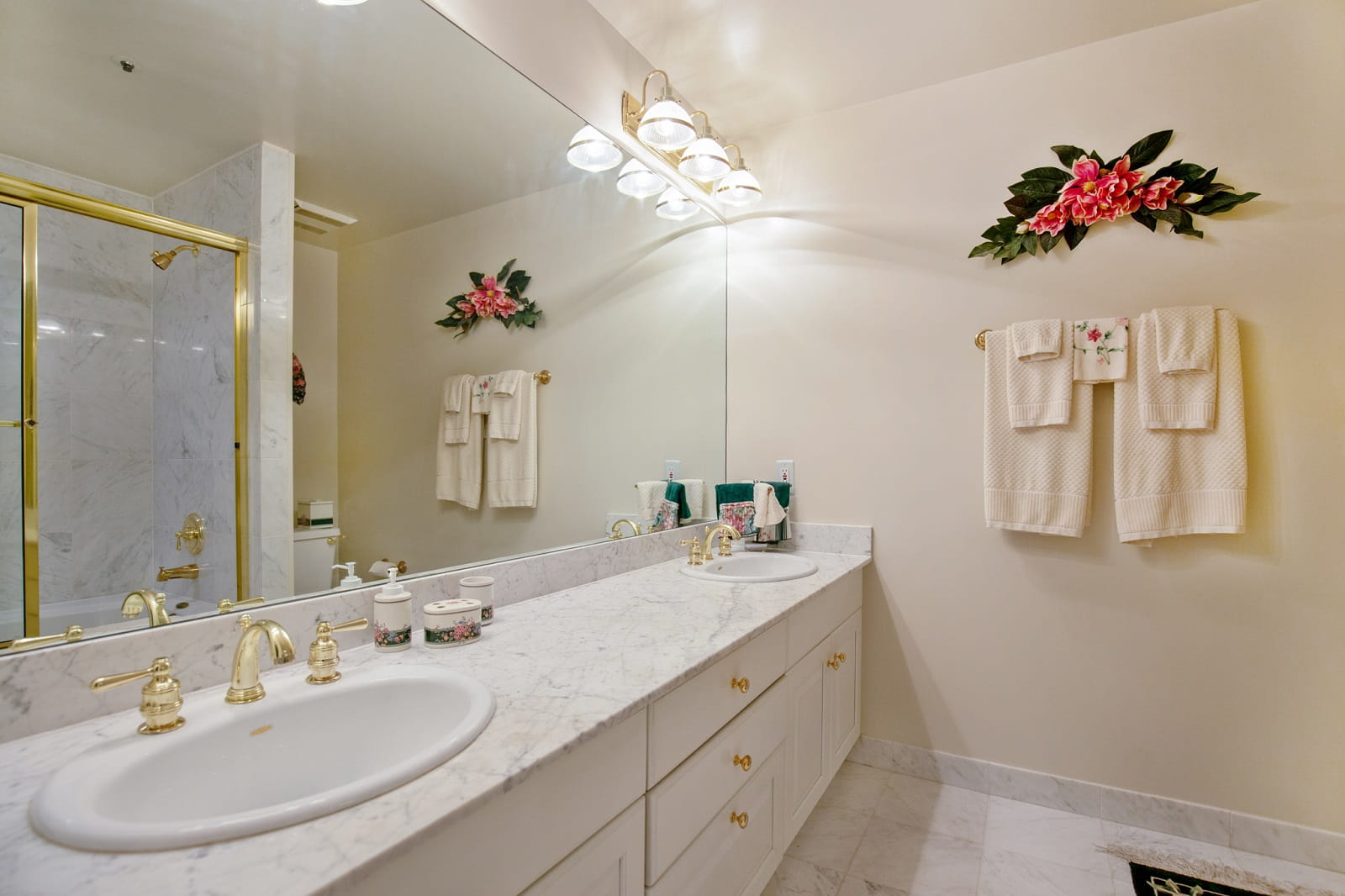 Real Estate Photography in Alexandria - Bath View