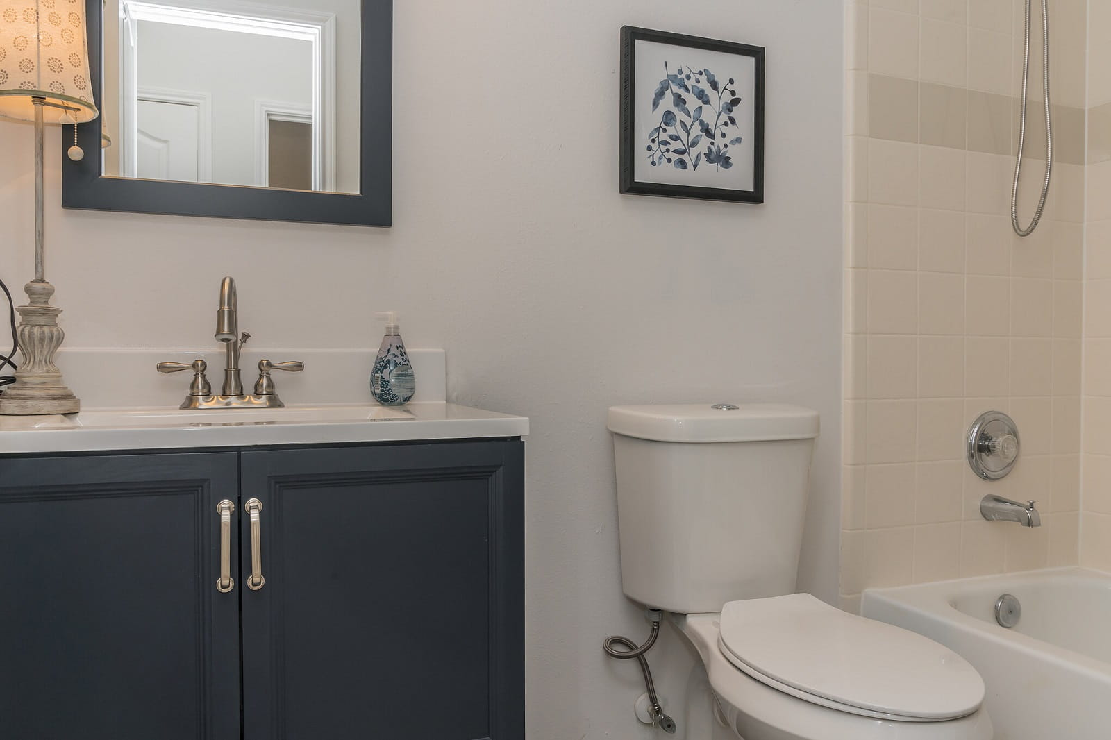 Real Estate Photographers in Baytown - TX - Bath View