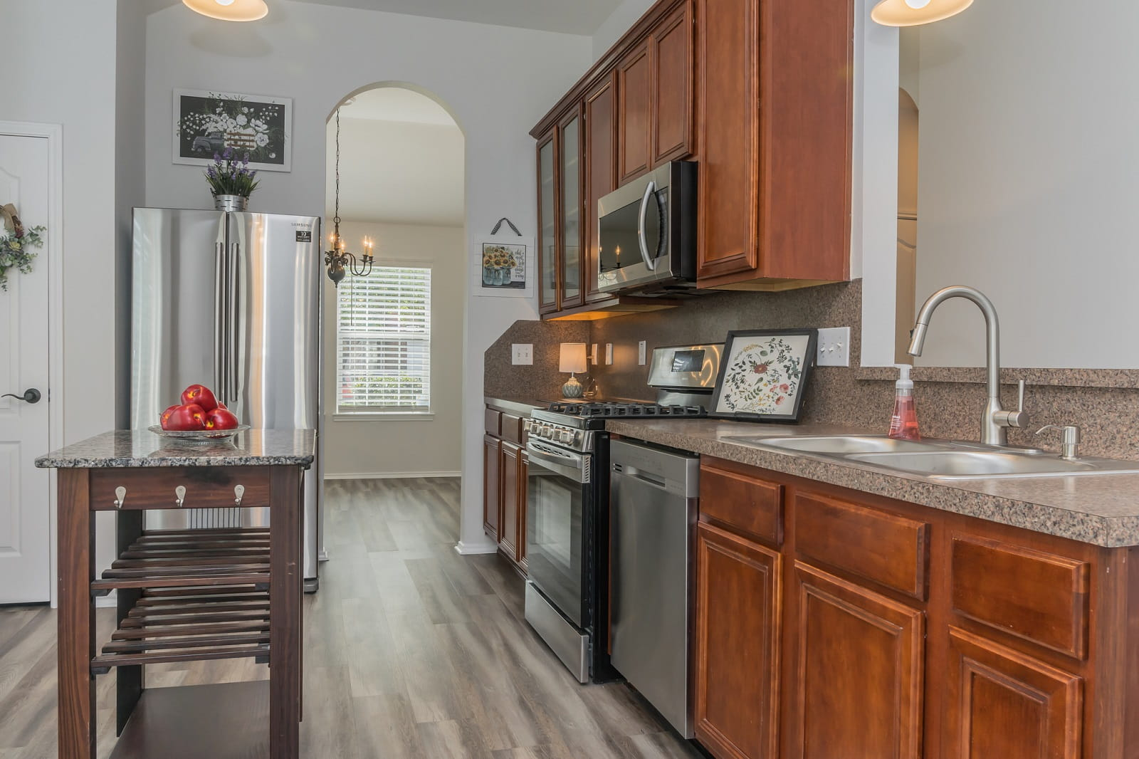 Real Estate Photographers in Baytown - TX - Kitchen View