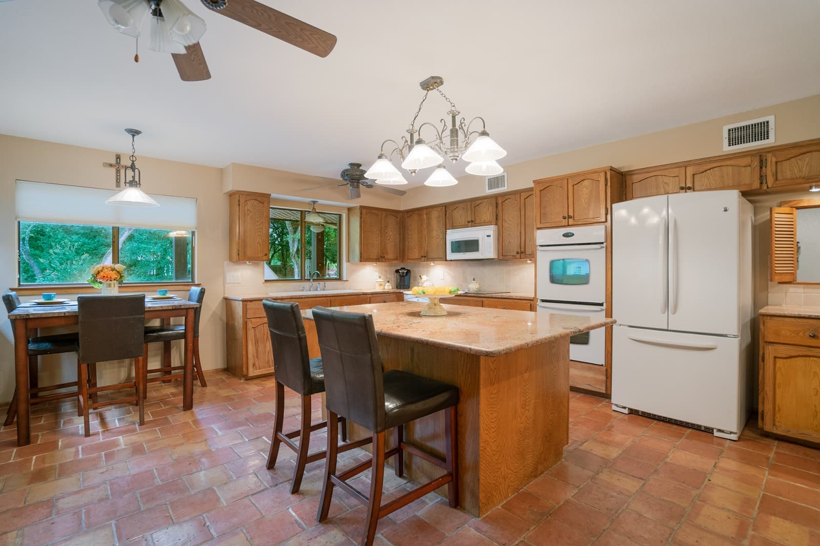 Real Estate Photography in Seguin - TX - Kitchen View