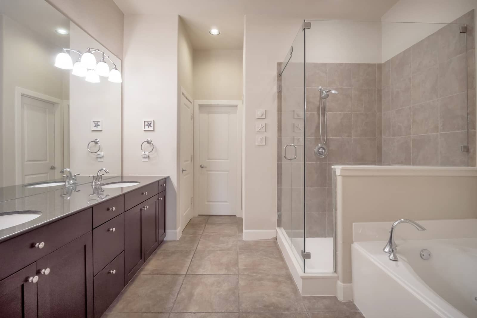 Real Estate Photography in Fort Worth - Bath View