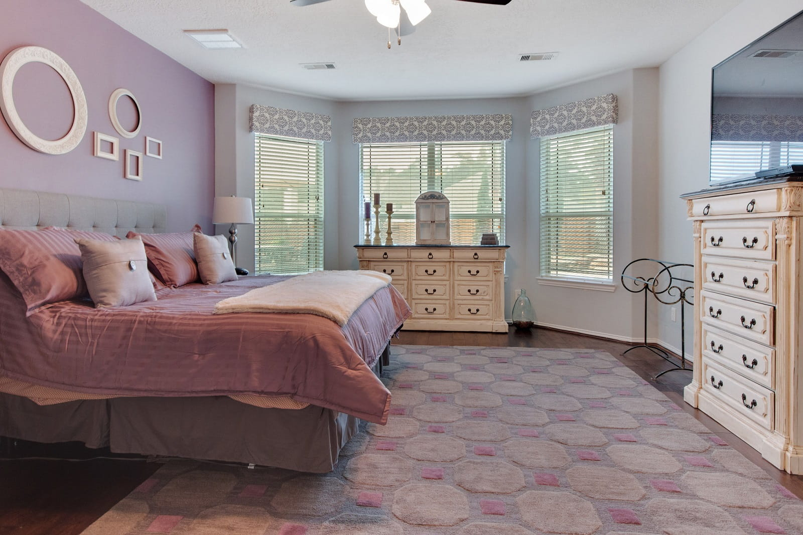 Real Estate Photographers in The Woodlands - TX - Bedroom View