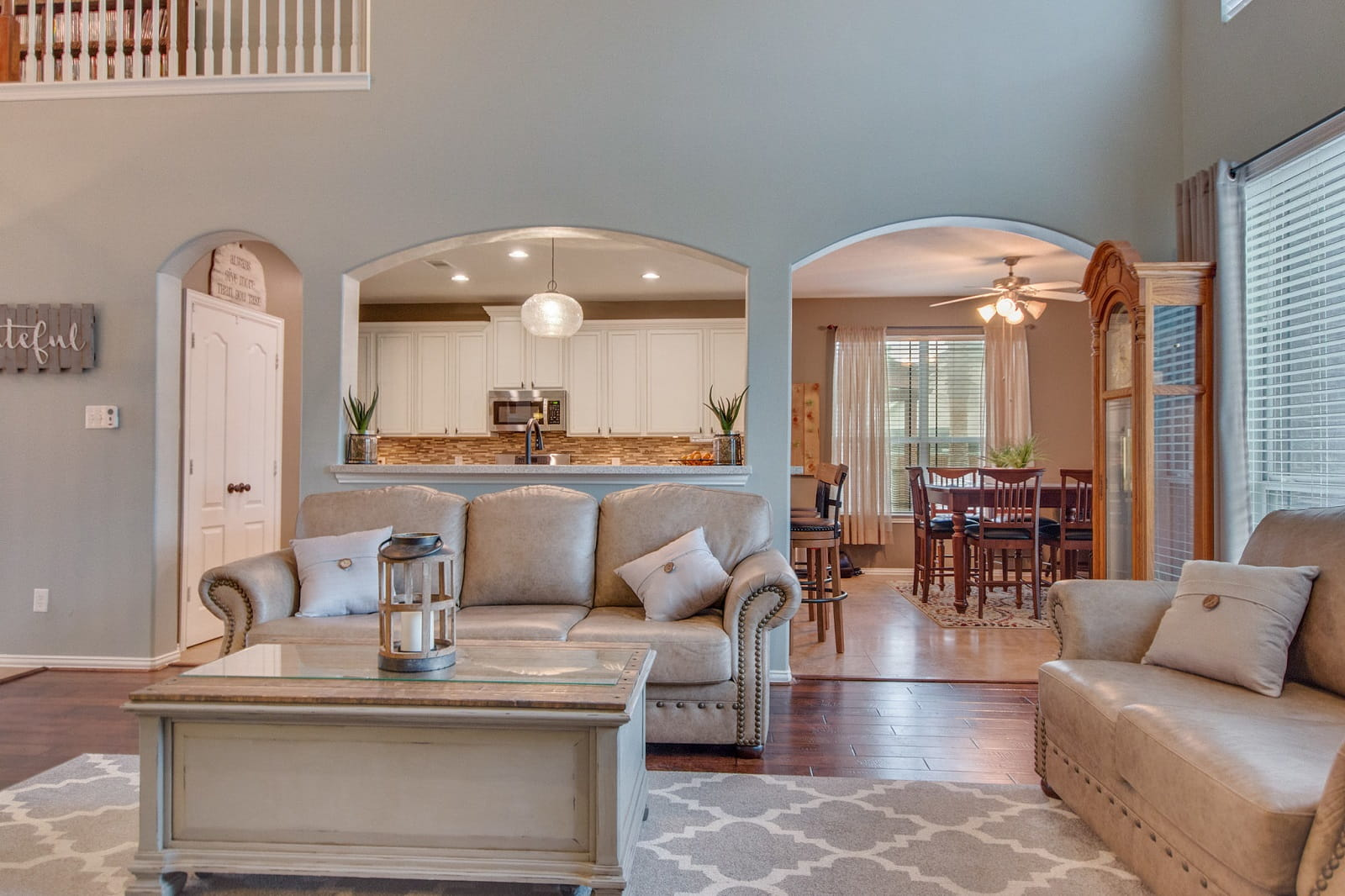 Real Estate Photographers in The Woodlands - TX - Living Area View