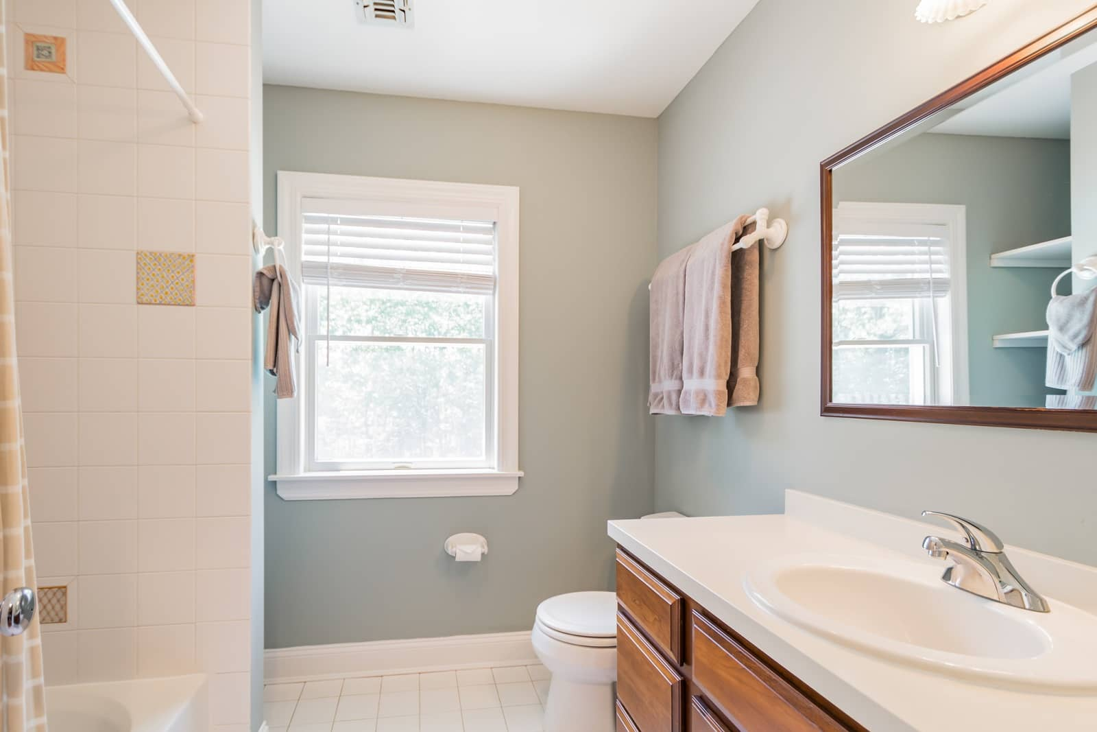 Real Estate Photography in The Hamptons - NY - USA - Bathroom View