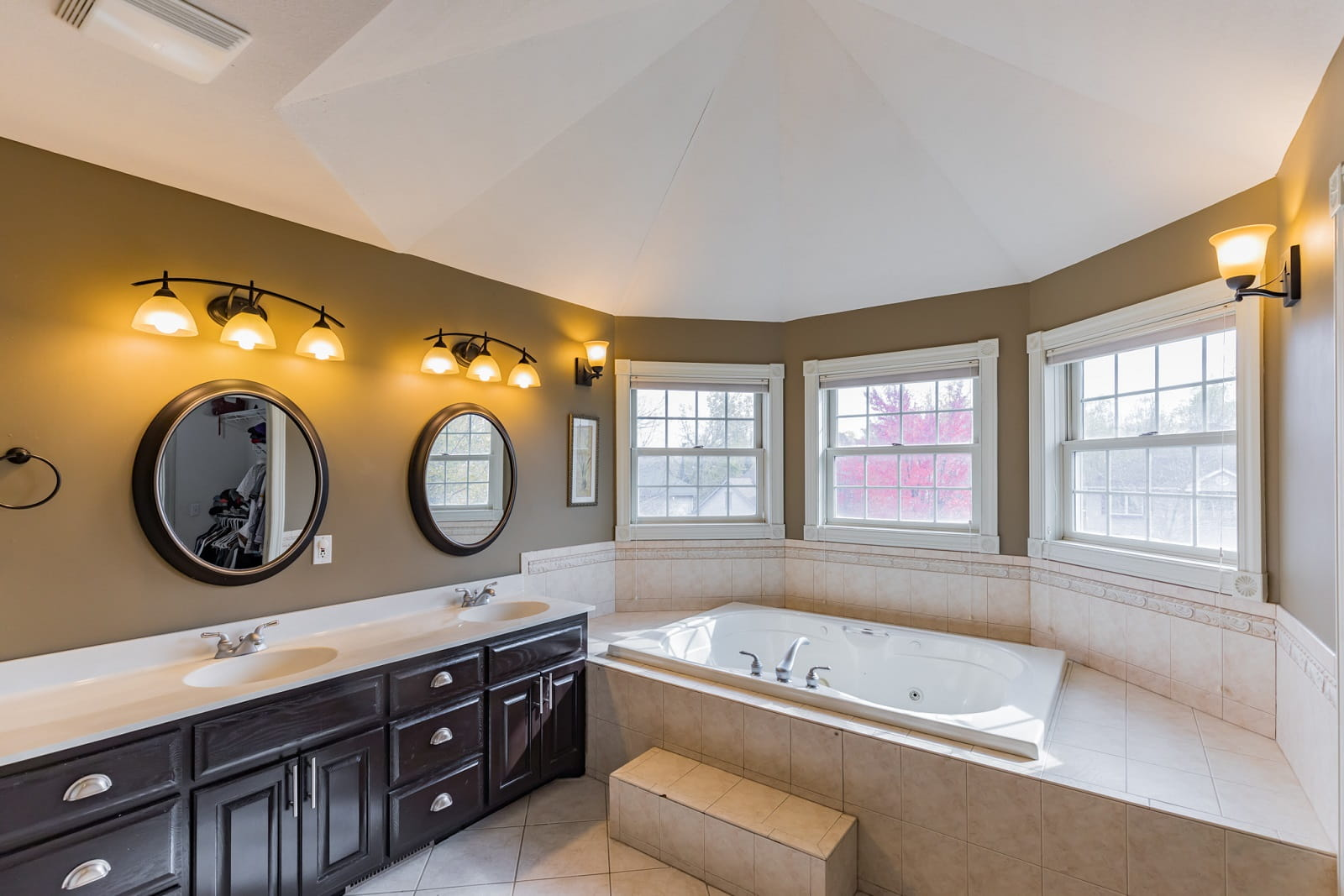 Real Estate Photography in Bloomington - MN - Bathroom View
