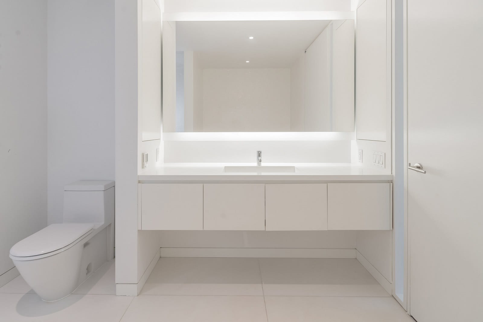 Real Estate Photography in Brooklyn - NY - USA - Bathroom View