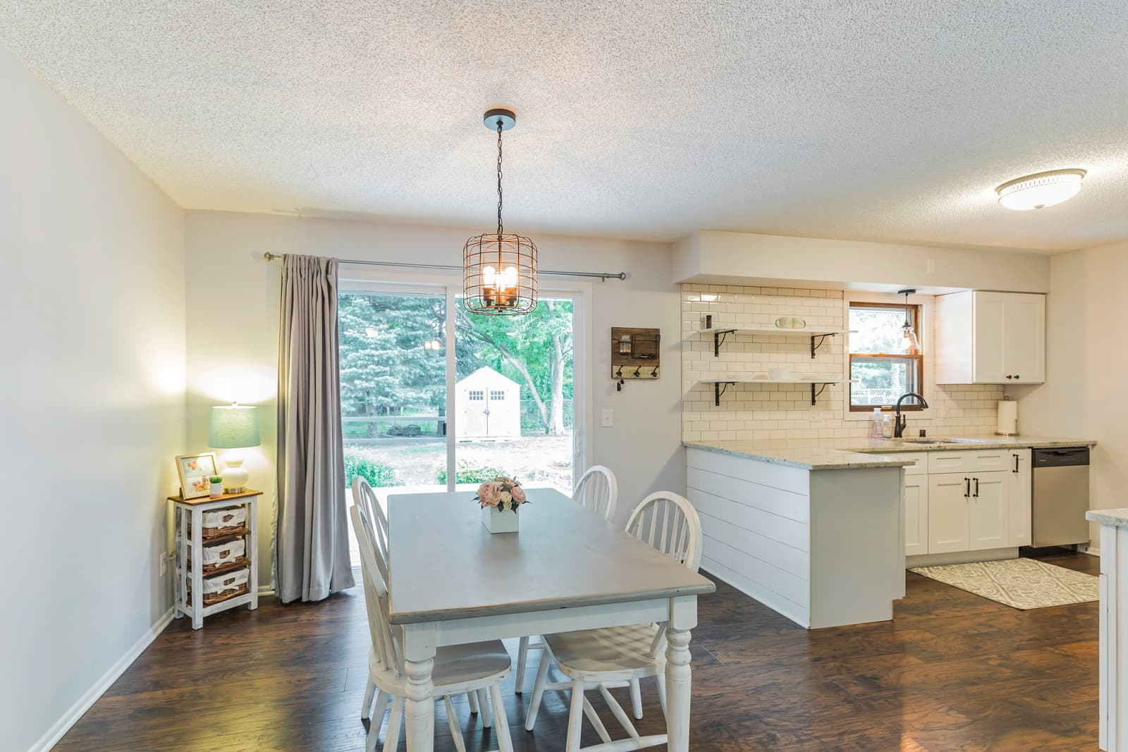 Real Estate Photography in Minneapolis - MN - Kitchen & Dining Area View