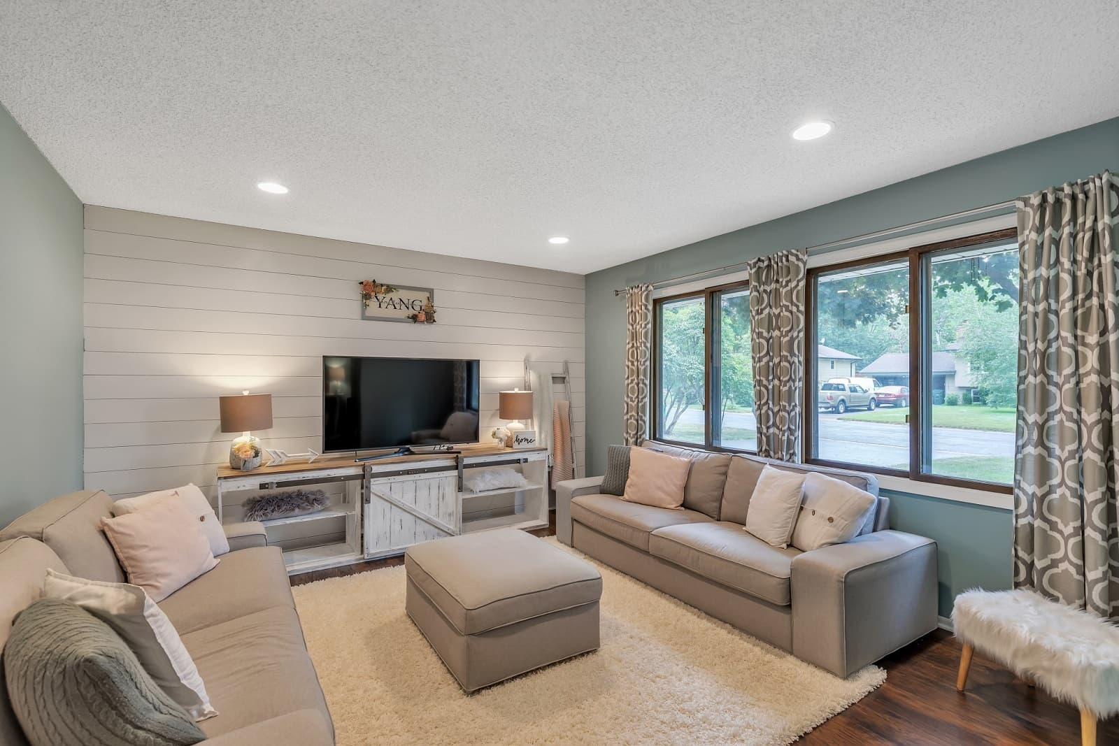 Real Estate Photography in Minneapolis - MN - Living Area View