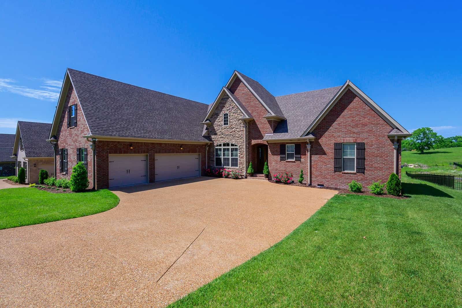 Real Estate Photography in Hendersonville - TN - USA - Front View