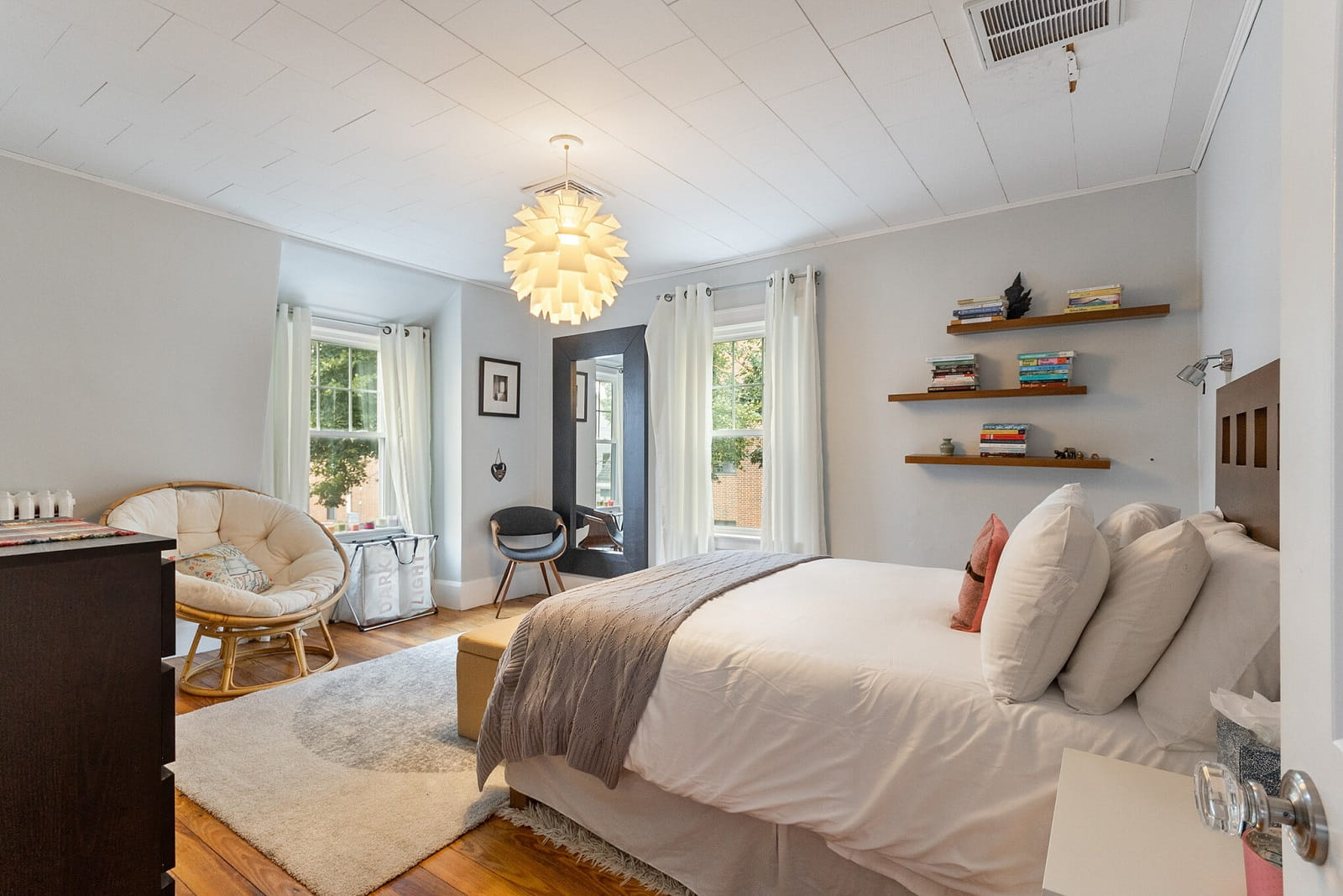 Real Estate Photography in Cambridge - MA - USA - Bedroom View