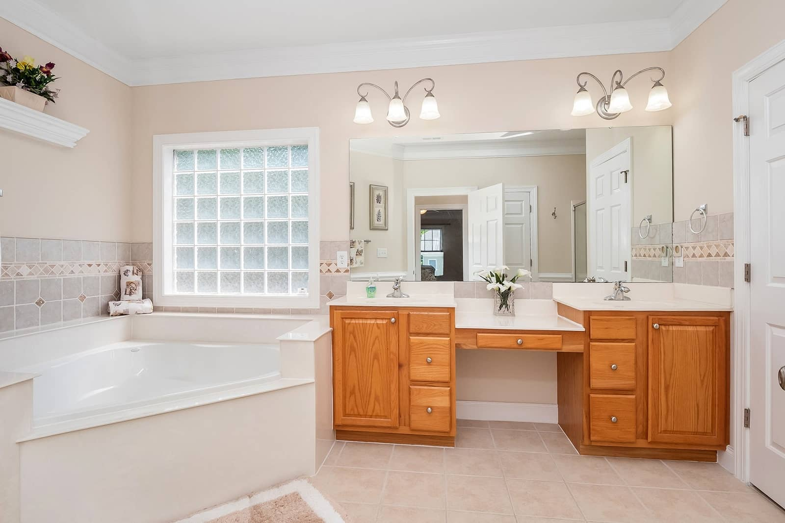 Real Estate Photography in Cary - NC - USA - Bathroom View