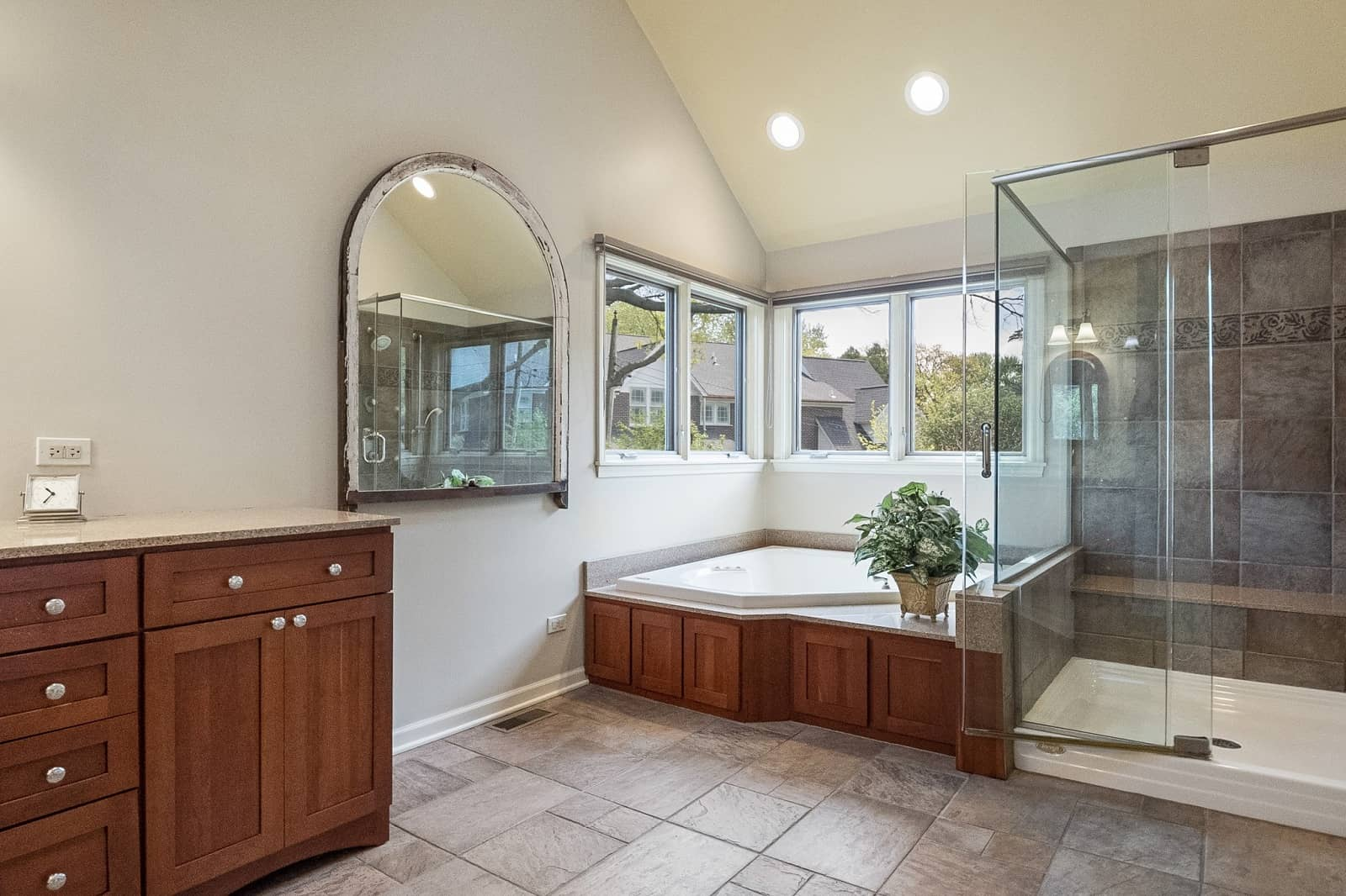 Real Estate Photography in Naperville - IL - USA - Bathroom View