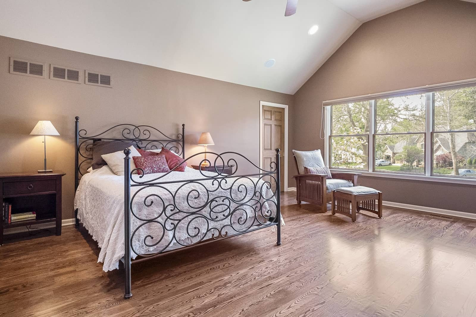 Real Estate Photography in Naperville - IL - USA - Bedroom View