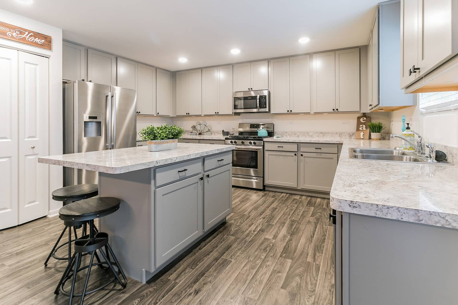 Real Estate Photography in Joliet - IL - USA - Kitchen View