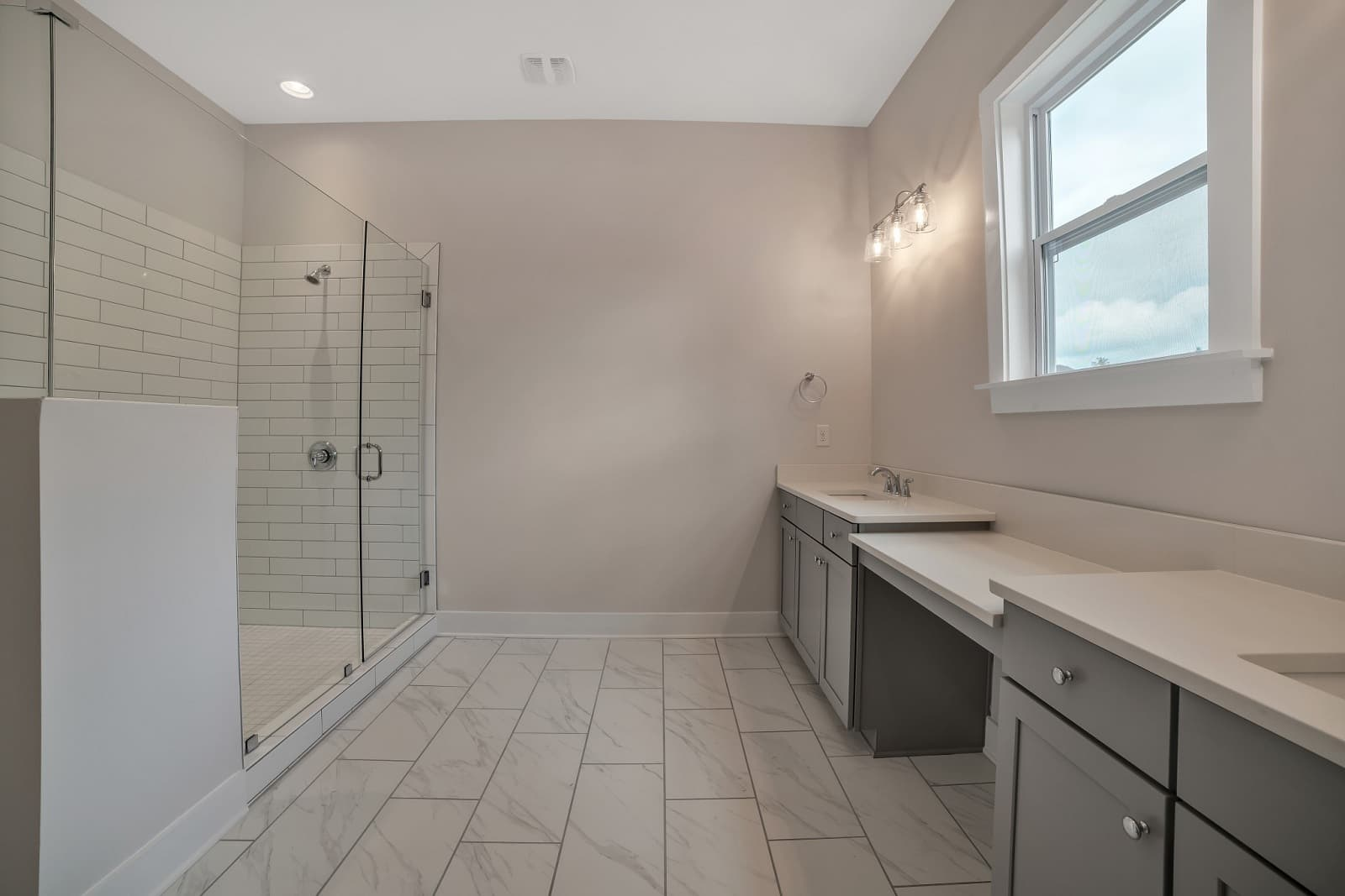 Real Estate Photography in Huntersville - NC - USA - Bathroom View