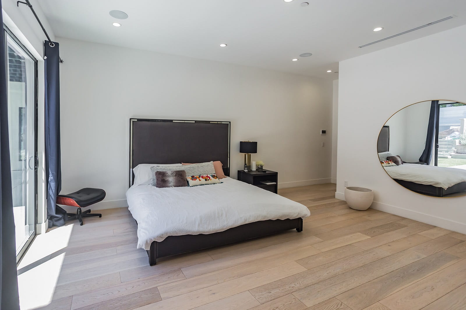 Real Estate Photography in Calabasas - CA - USA - Bedroom View