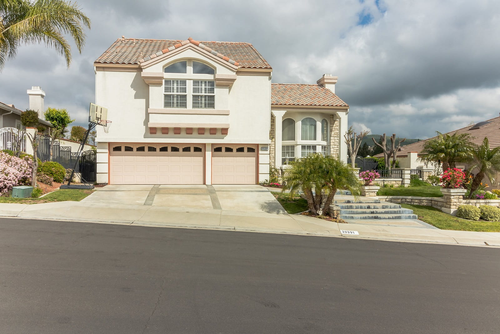 Real Estate Photography in Anaheim - CA - USA - Front View