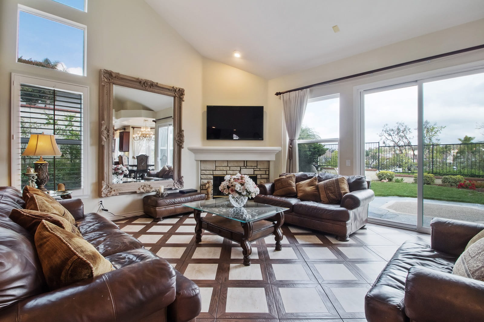 Real Estate Photography in Anaheim - CA - USA - Living Area View