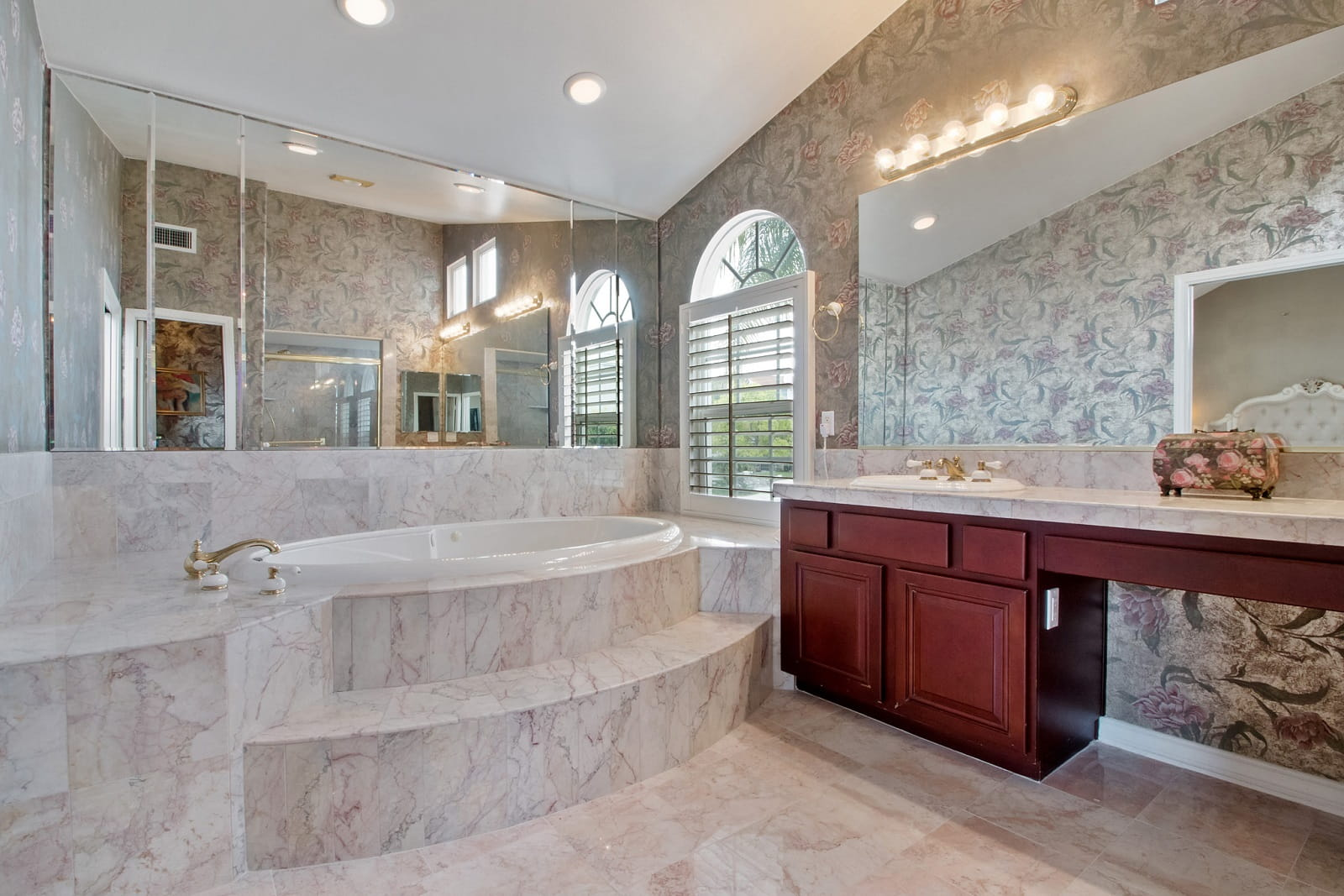 Real Estate Photography in Anaheim - CA - USA - Bathroom View