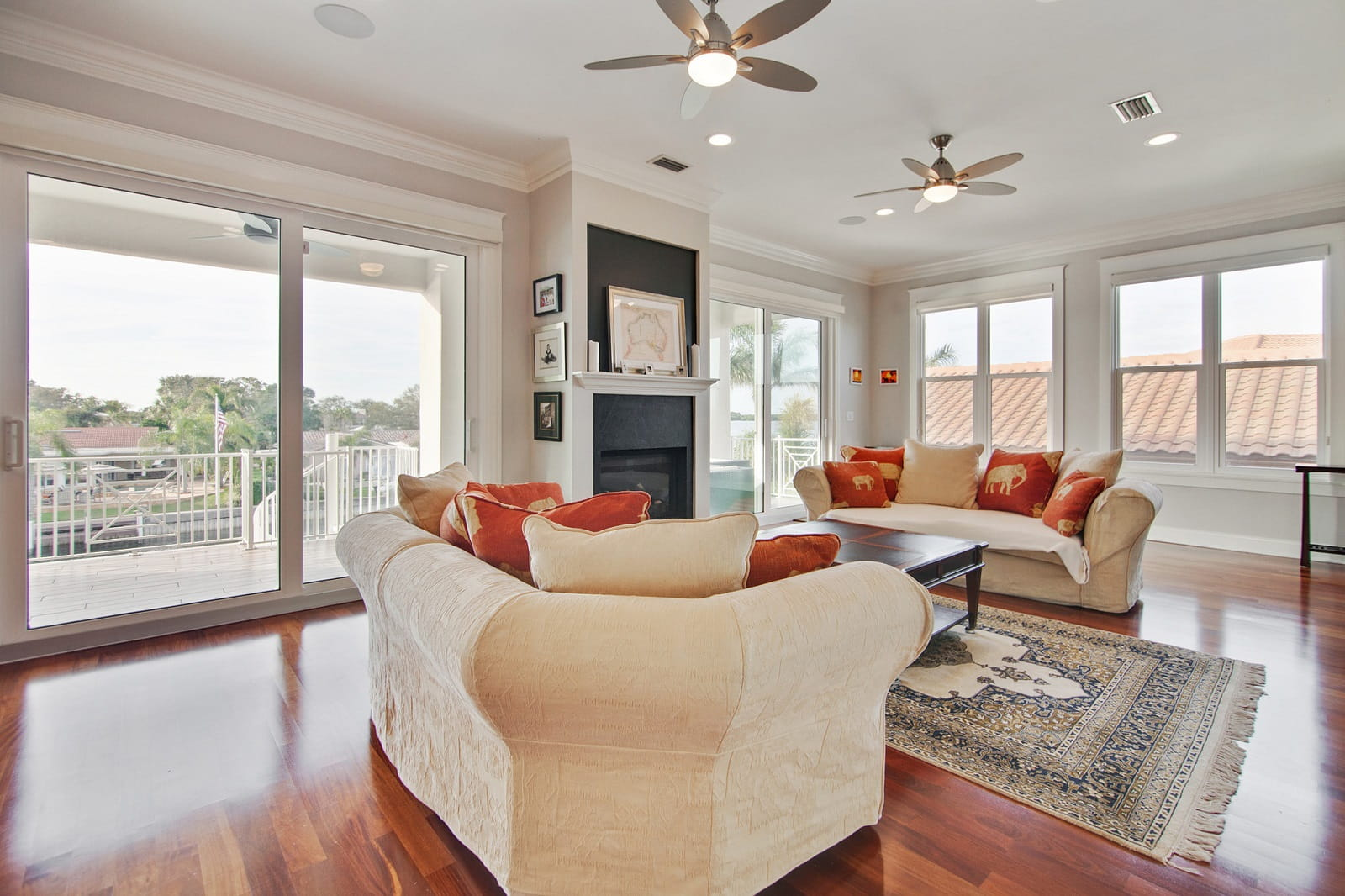 Real Estate Photography in St. Petersburg - FL - USA - Living Area View