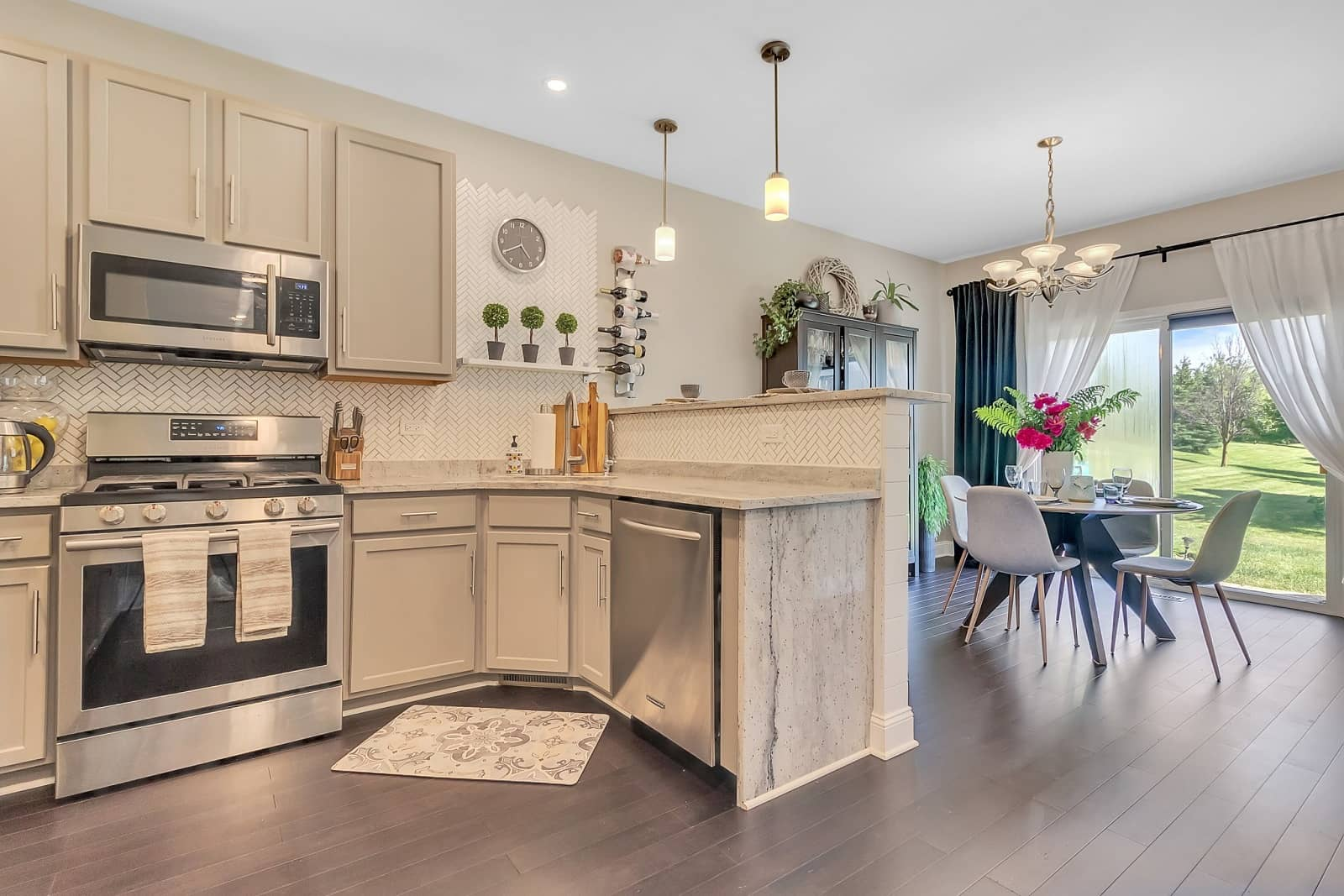 Real Estate Photography in Elgin - IL - USA - Kitchen View