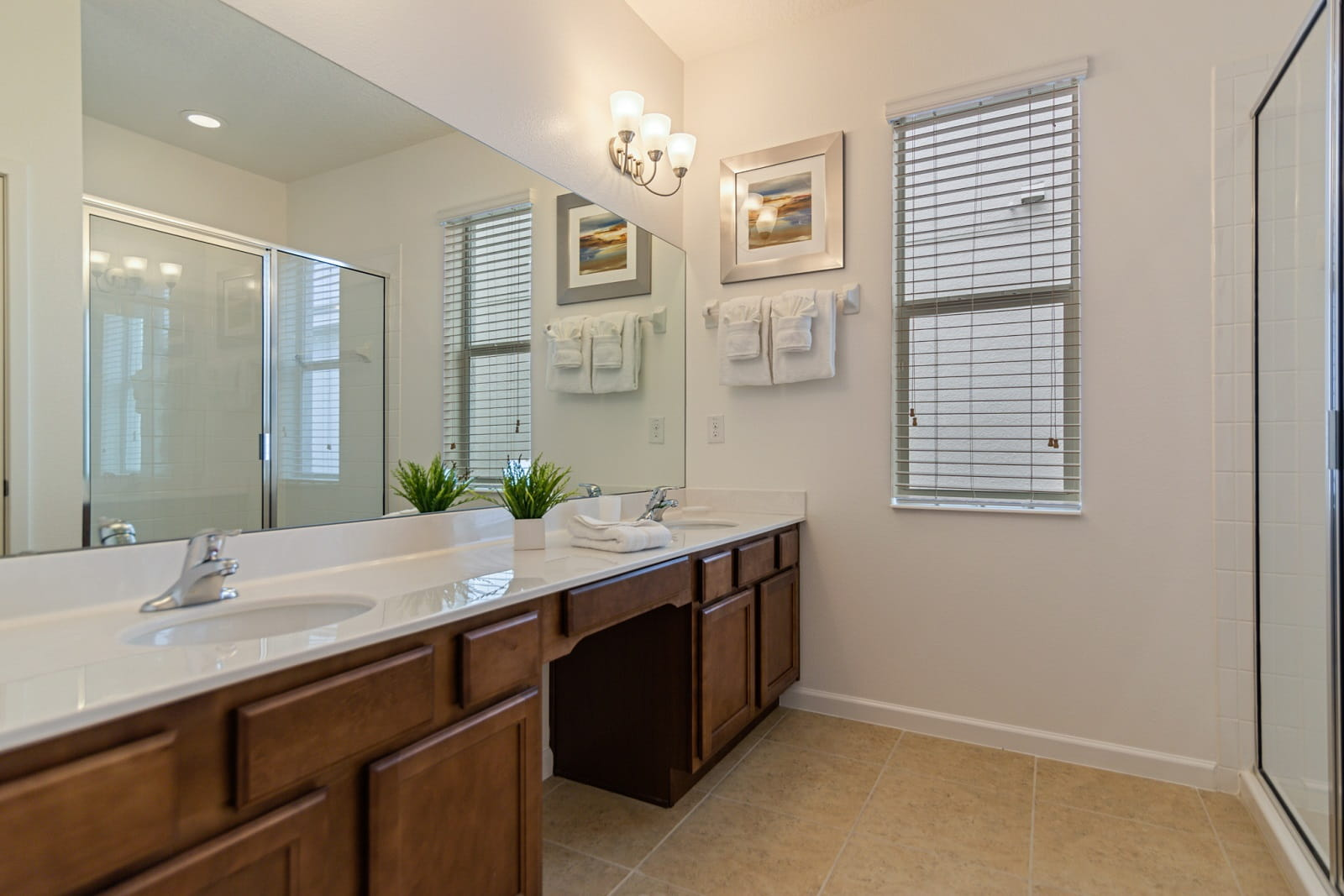 Real Estate Photography in Kissimmee - FL - USA - Bathroom View