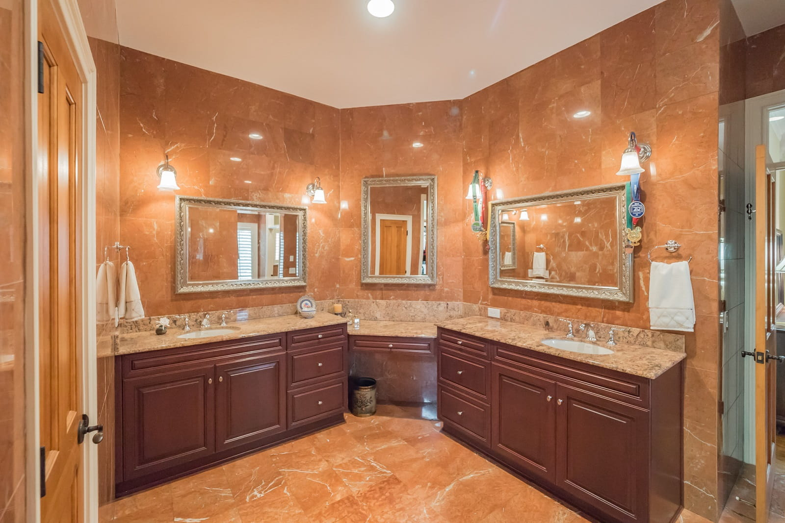 Real Estate Photography in Sanford - FL - USA - Bathroom View