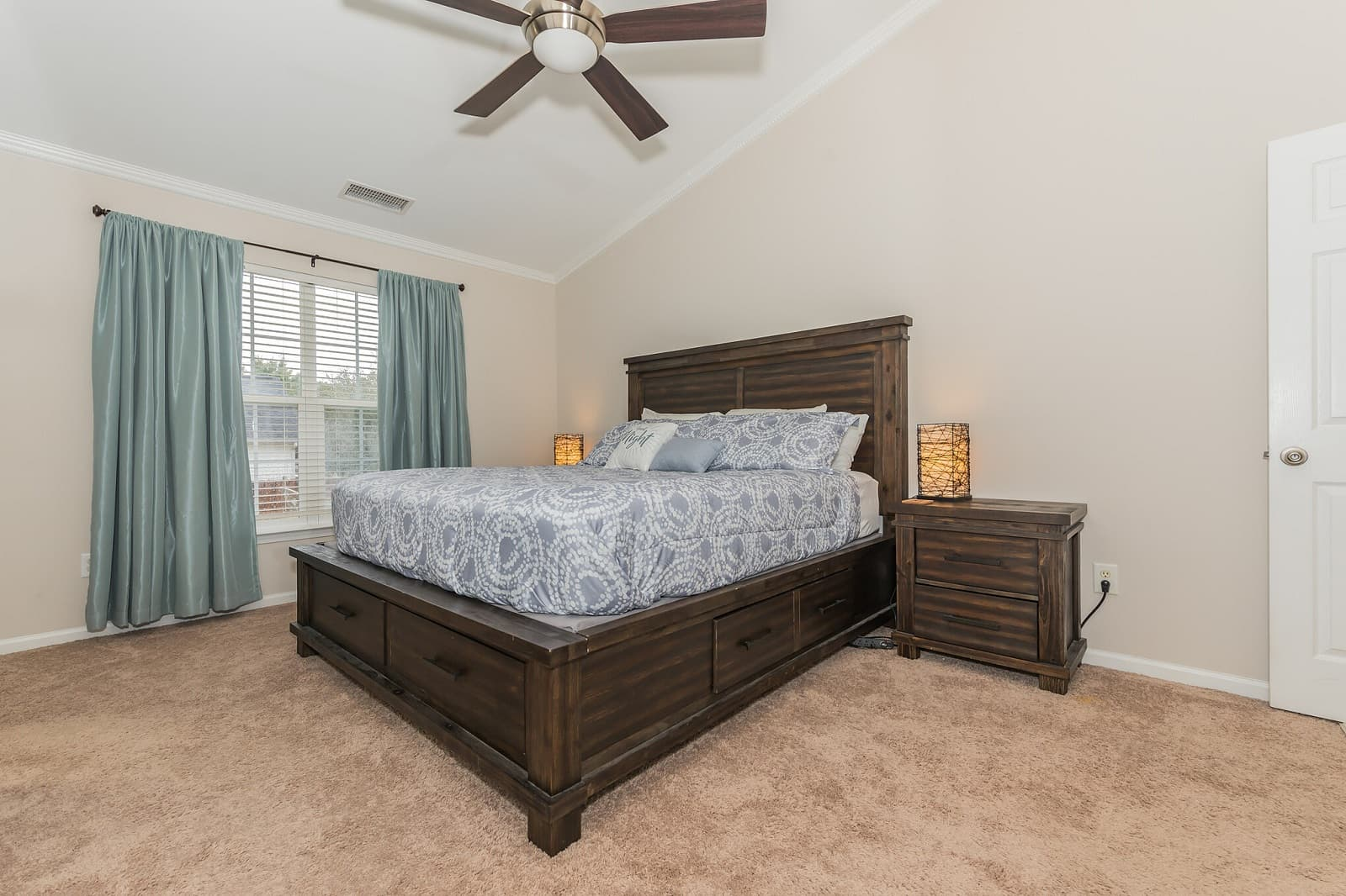 Real Estate Photography in Charlotte - NC - USA - Bedroom View