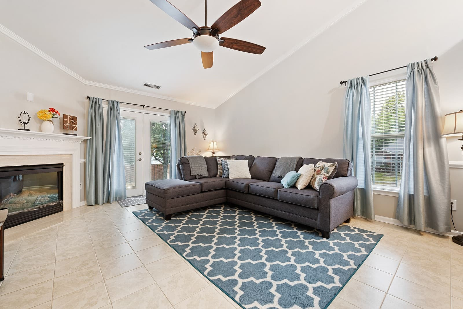 Real Estate Photography in Charlotte - NC - USA - Living Area View