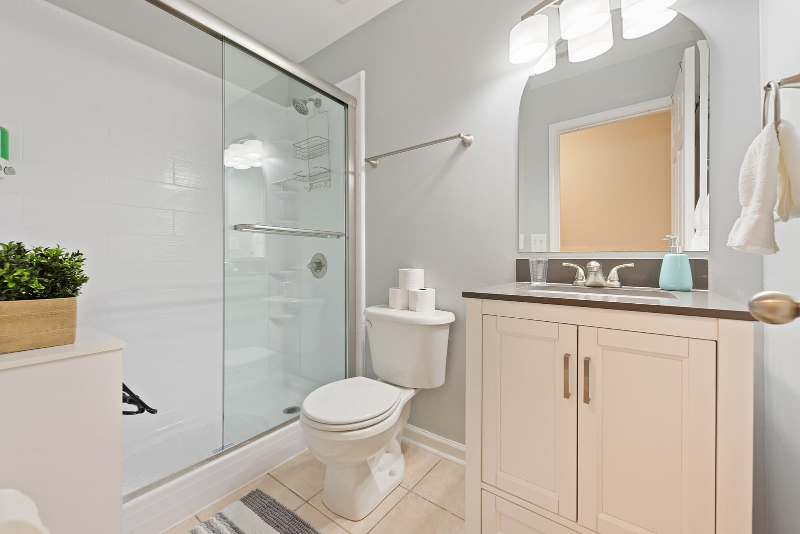 Real Estate Photography in Charlotte - NC - USA - Bathroom View