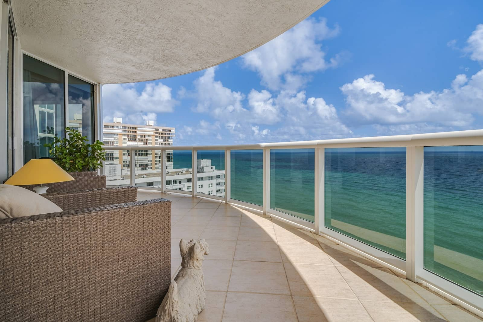 Real Estate Photography in Fort Lauderdale - FL - USA - Terrace View