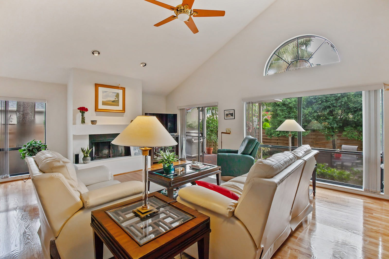 Real Estate Photography in Tampa - FL - USA - Living Area View