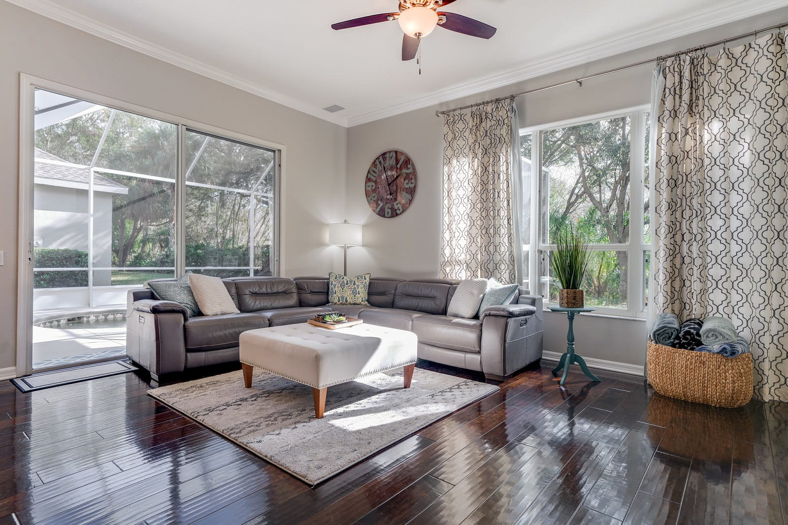 Real Estate Photography in Bradenton - FL - USA - Living Area View