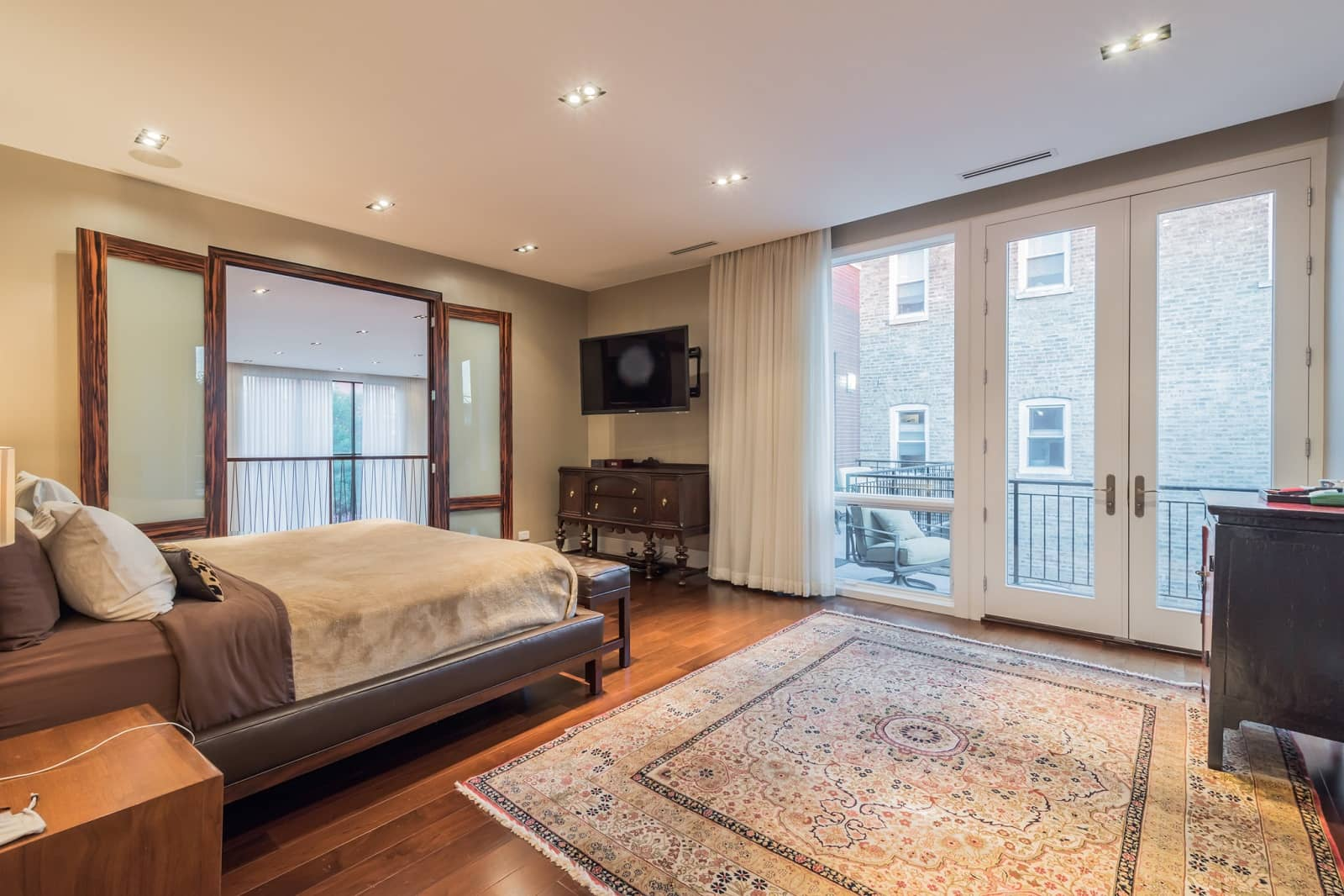 Real Estate Photography in Chicago - IL - USA - Bedroom View