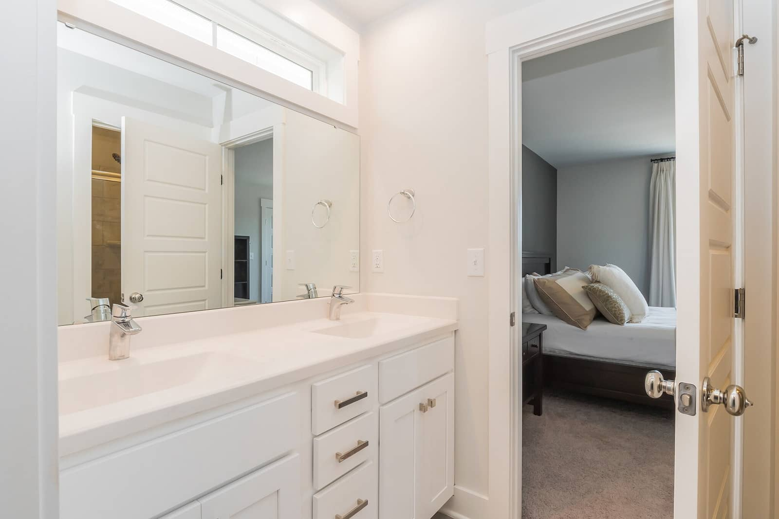 Real Estate Photography in Chapel Hill - NC - USA - Bathroom View
