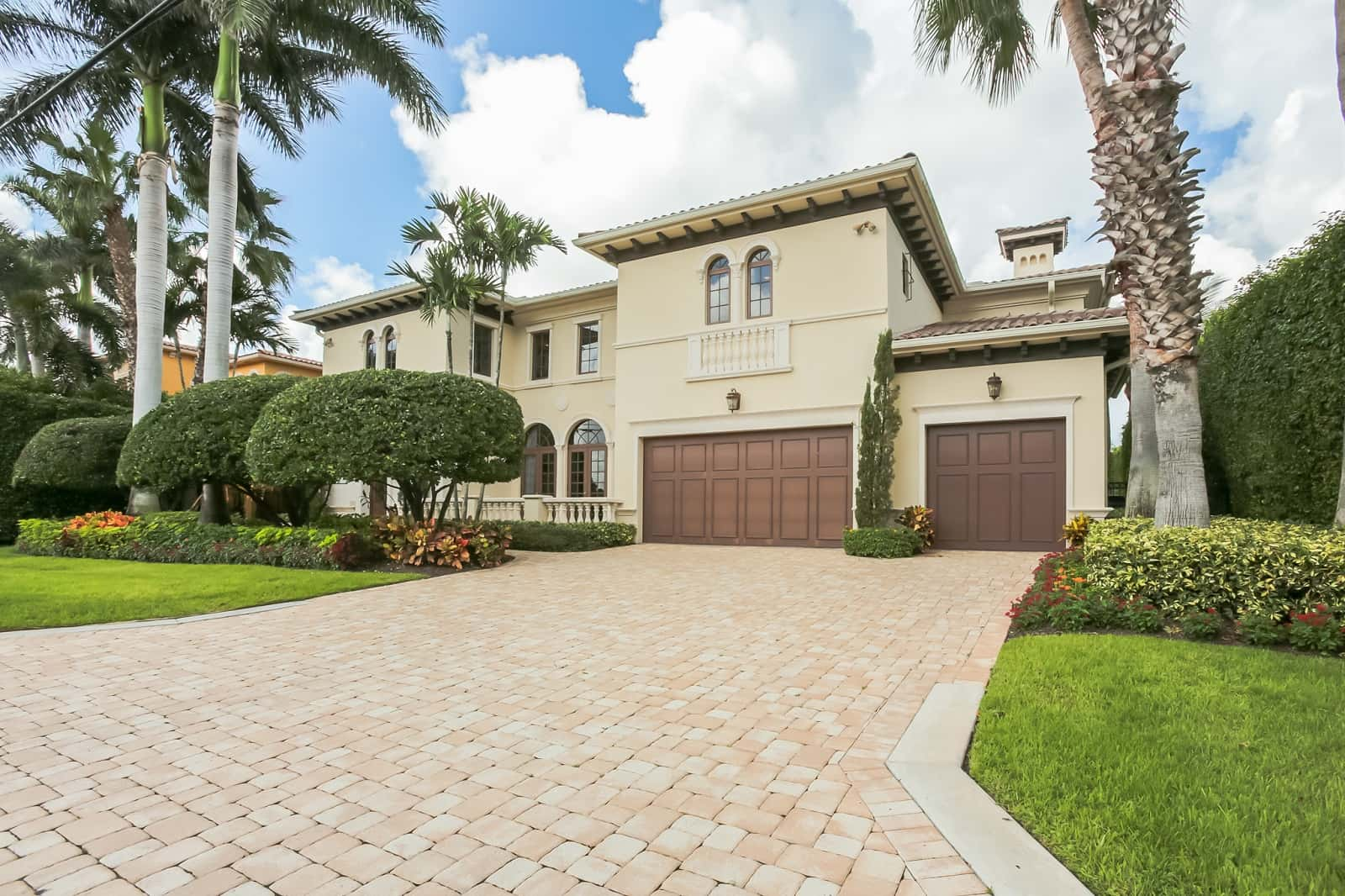 Real Estate Photography in Boca Raton - FL - USA - Front View