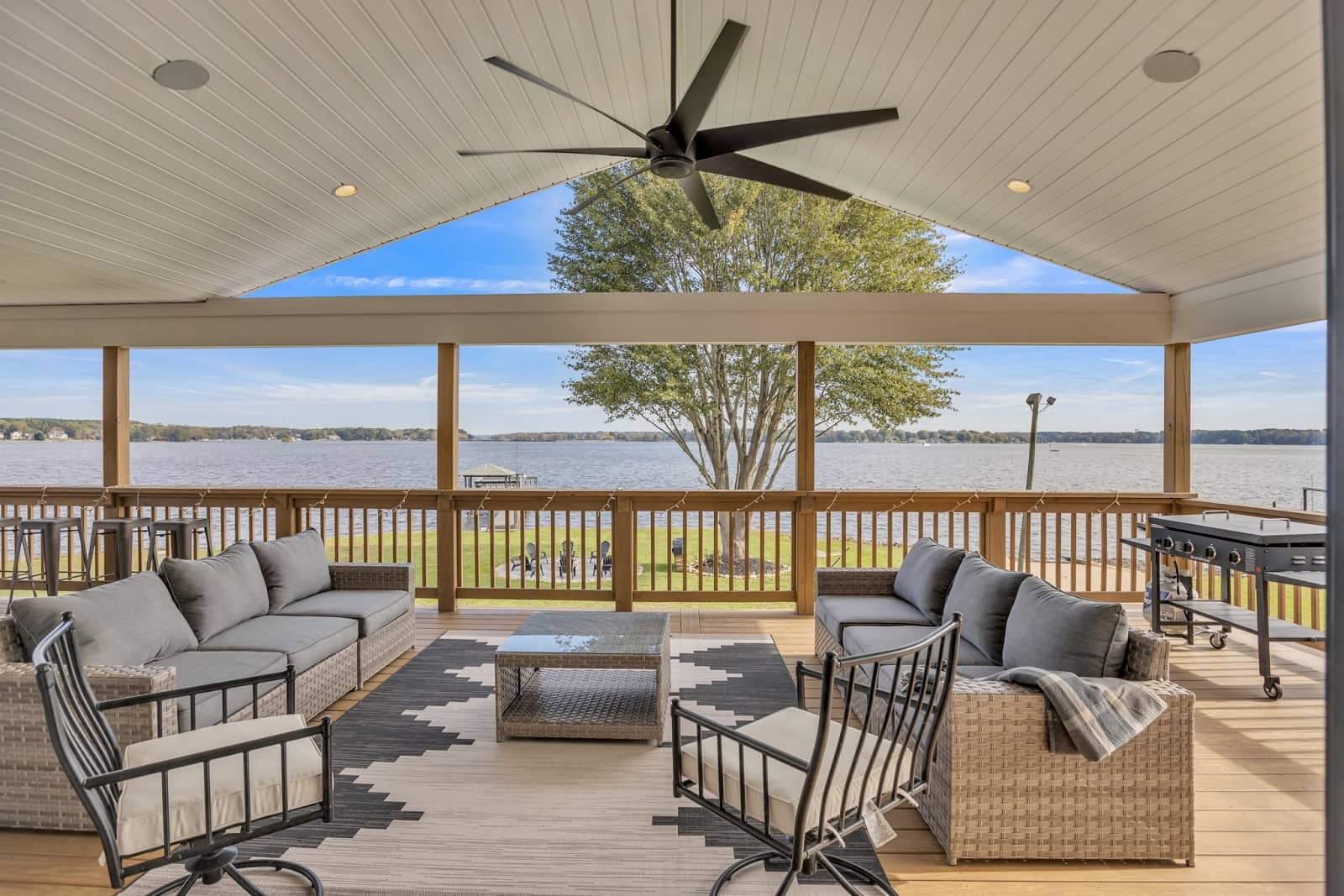 Real Estate Photography in Mooresville - NC - USA - Terrace View
