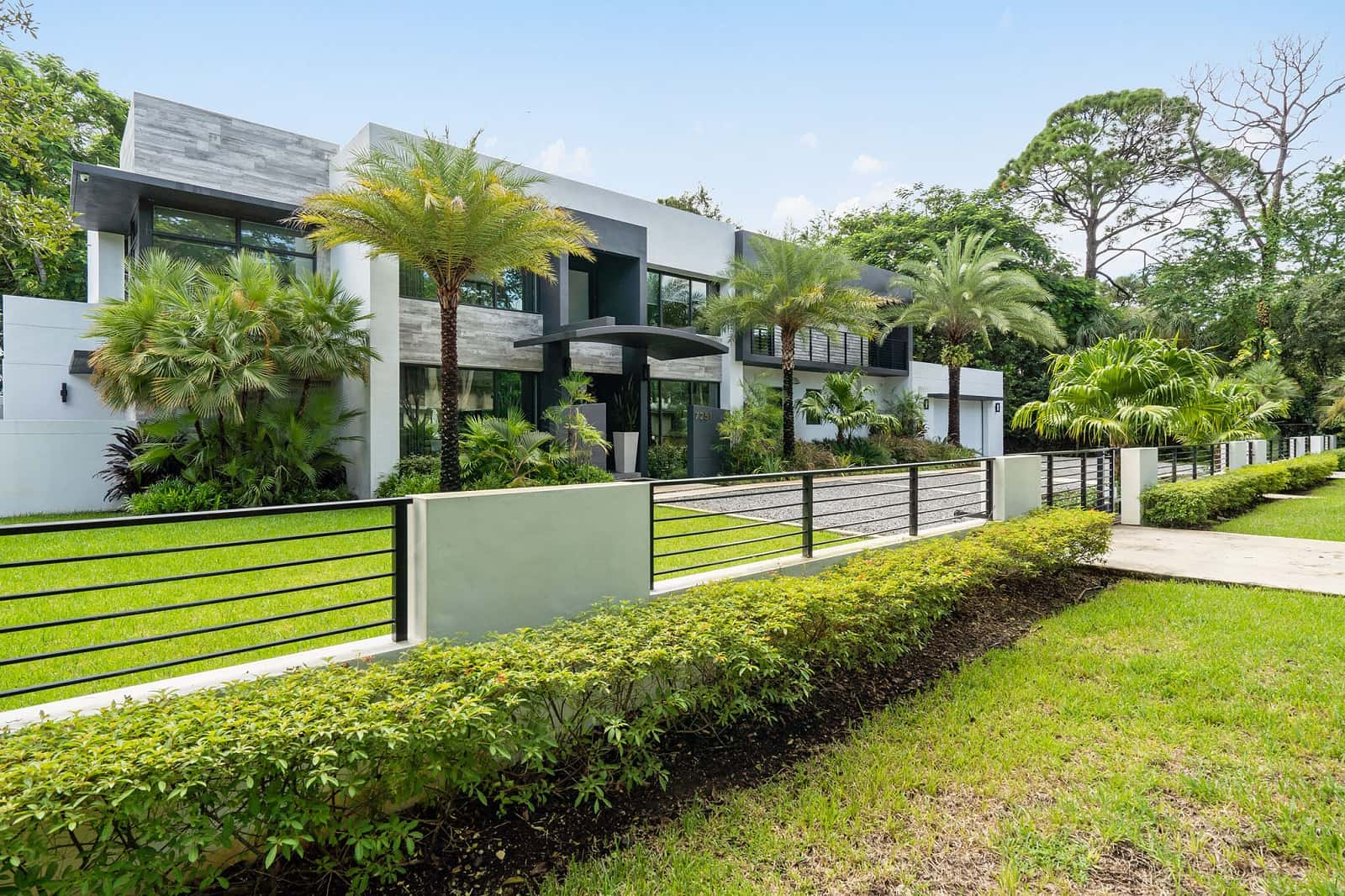 Real Estate Photography in Miami - FL - USA - Front View